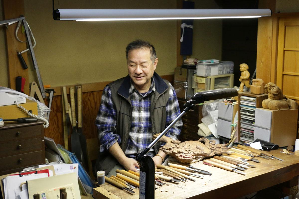 木彫作家でもある元田さん。お父様は、組合ができる前から木彫の修理をおこなっていたそう