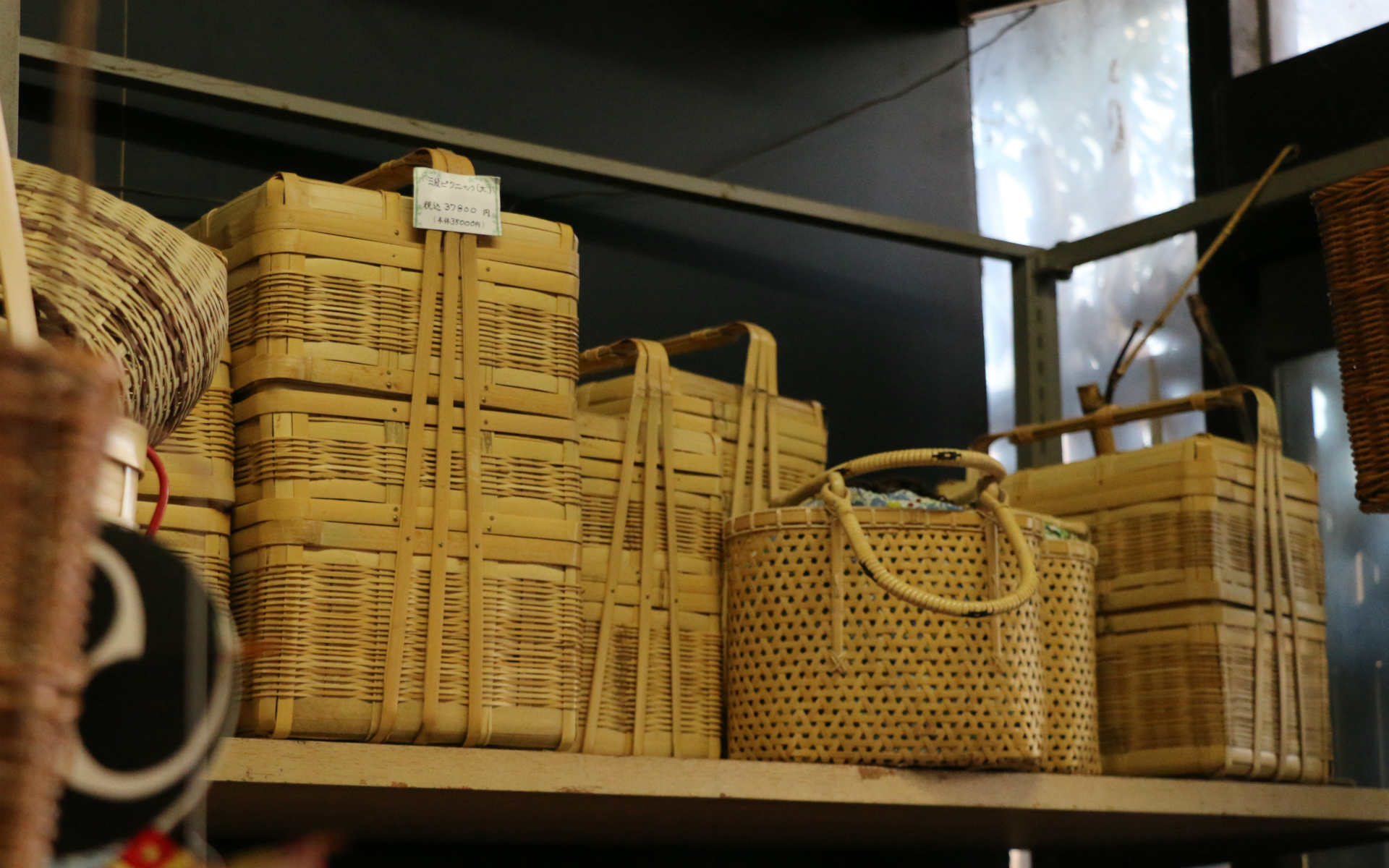 まるで宝探し。好きなかごに出会える鹿児島の「創作竹芸とみなが」
