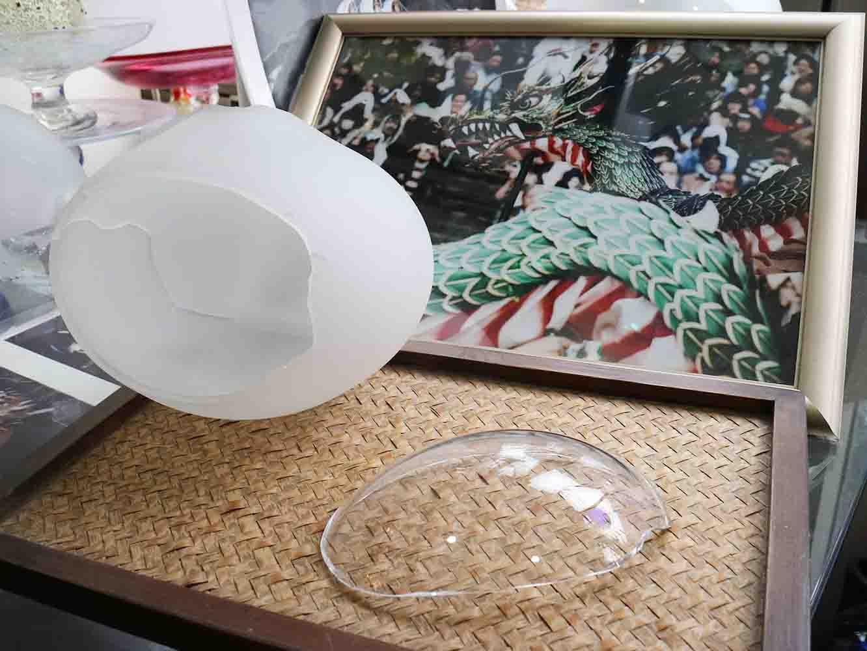 長崎のお祭り、「長崎くんち」の山車の装飾にもガラスが用いられている。こちらは竜の目