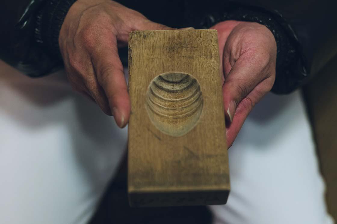 松月堂「喧嘩ごま」の木型