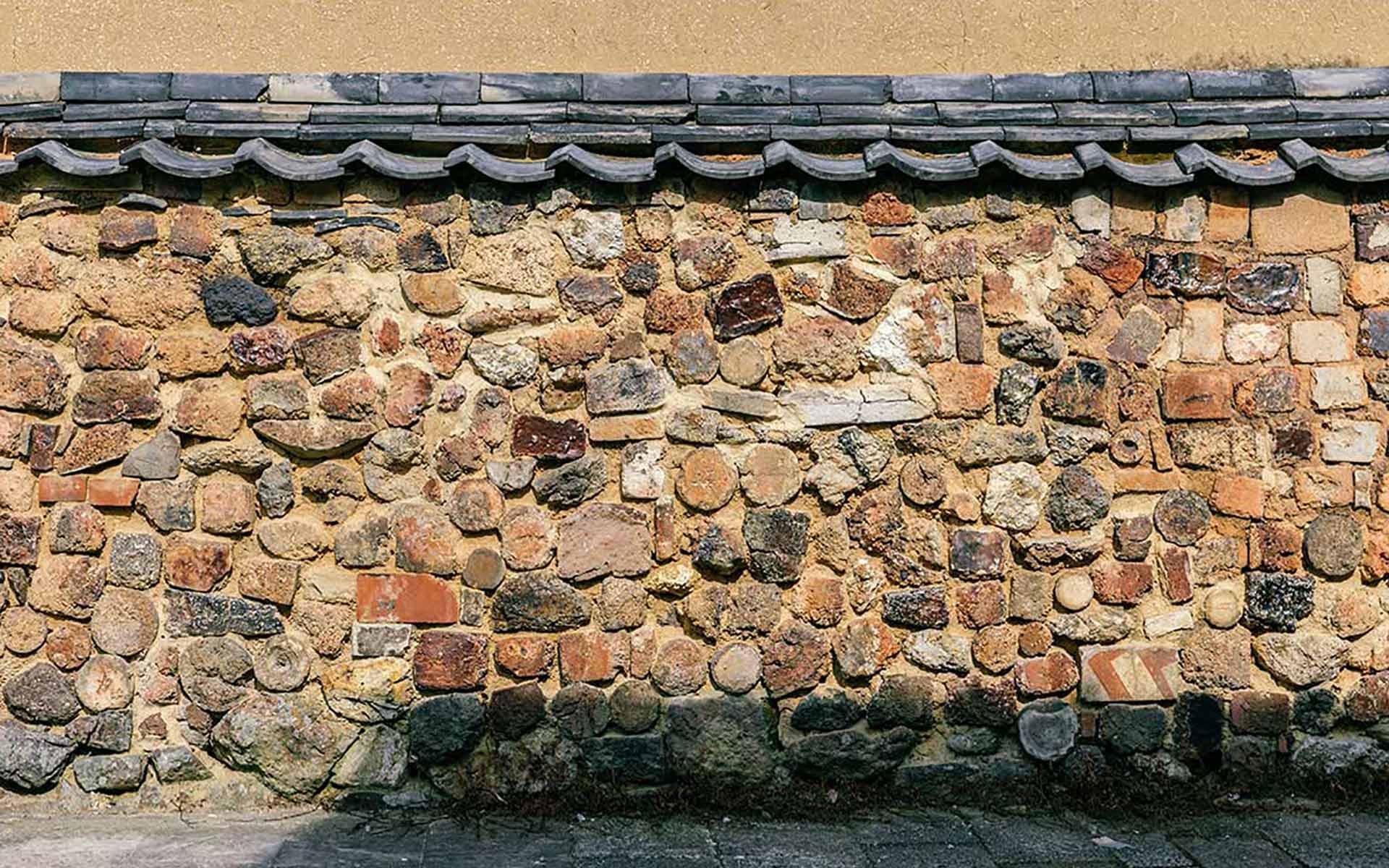 有田の町並みは、壁にも特徴がありました