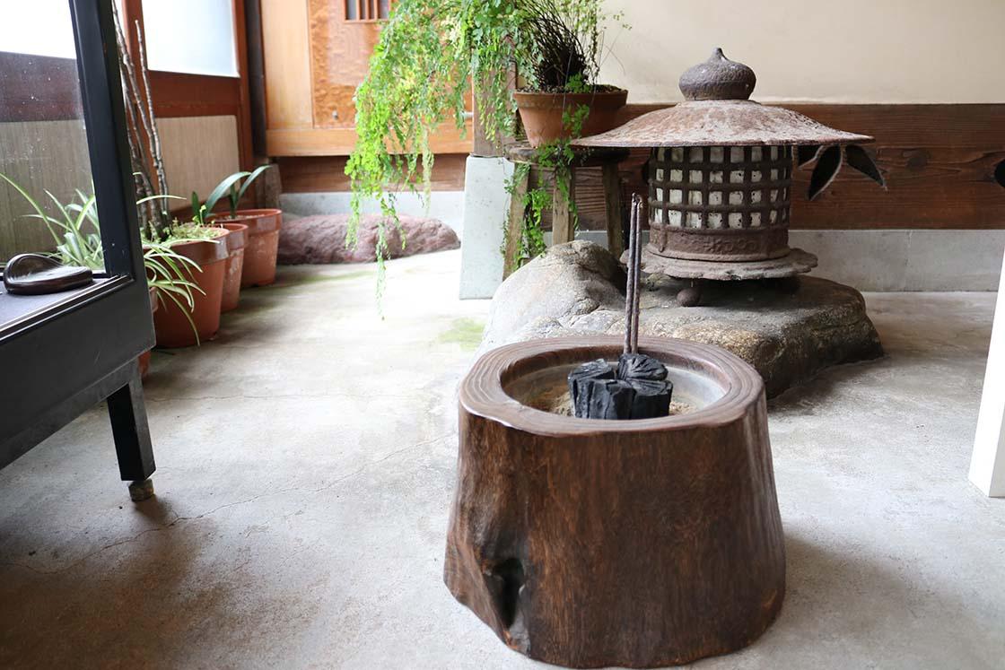 岩本清商店の火鉢