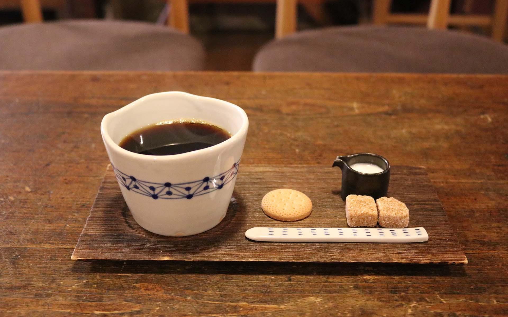 【金沢のお土産・さしあげます】軽くてモダンな、岩本清商店の「ちょこっとトレー」