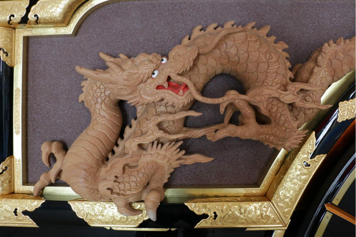 担当するのは、このような木彫部分。こちらの龍も元田さんの作
