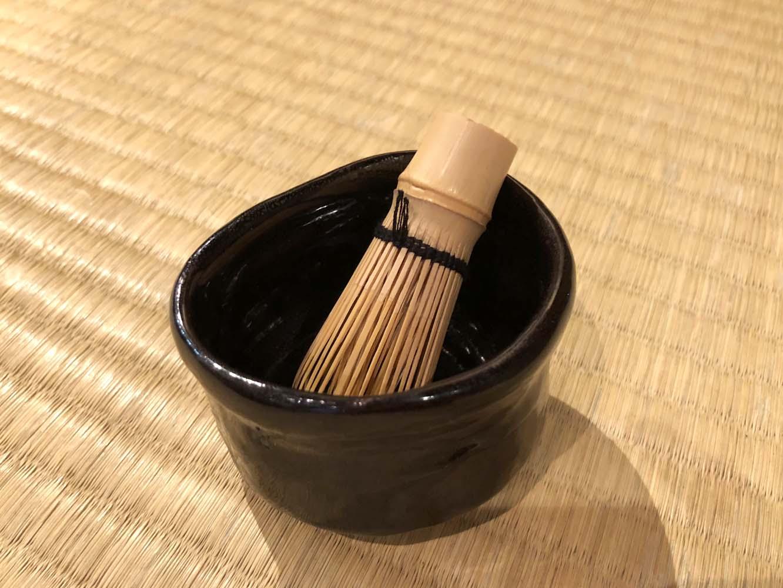 沓形の茶碗