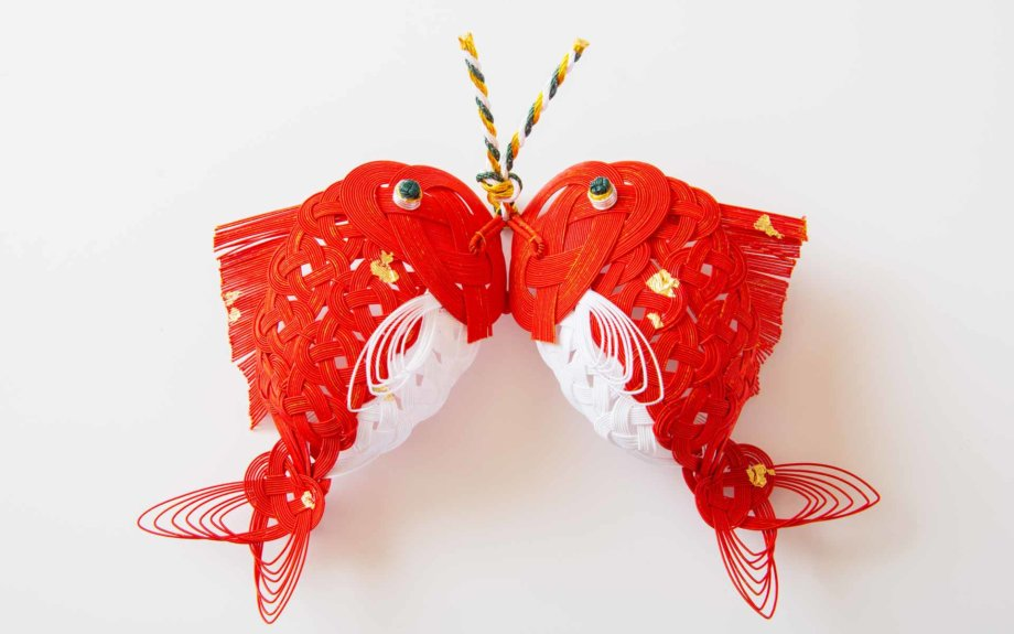 立体的な加賀水引細工の数々を作っていることでも有名な津田水引折型。その見事な作品が認められ、皇室献上品ともなっています