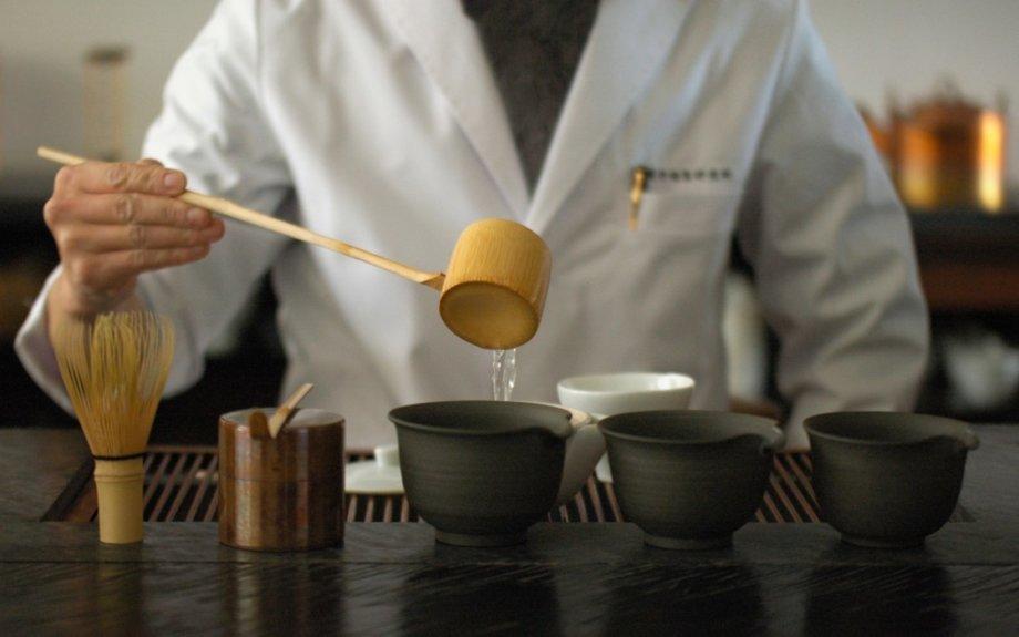 沖縄のLIQUIDがオープン1周年。櫻井焙茶研究所による日本茶イベントを開催