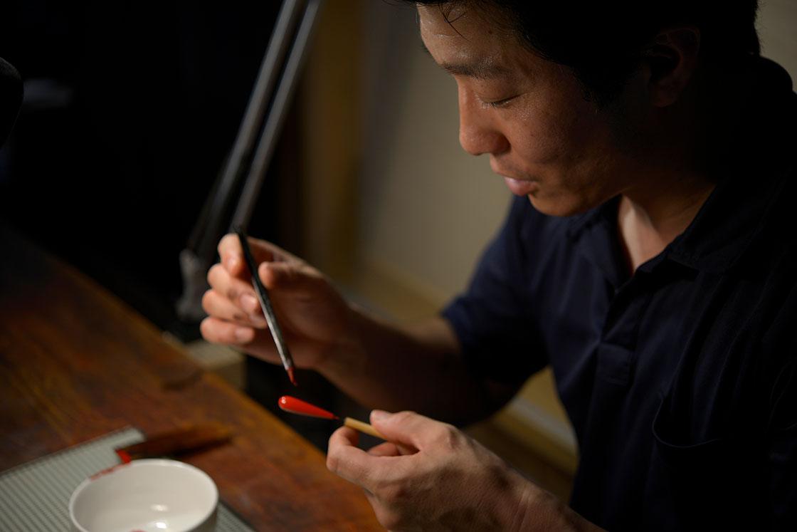 普段は漆のアクセサリーなど、小さな作品を作ることが多いという森田さん