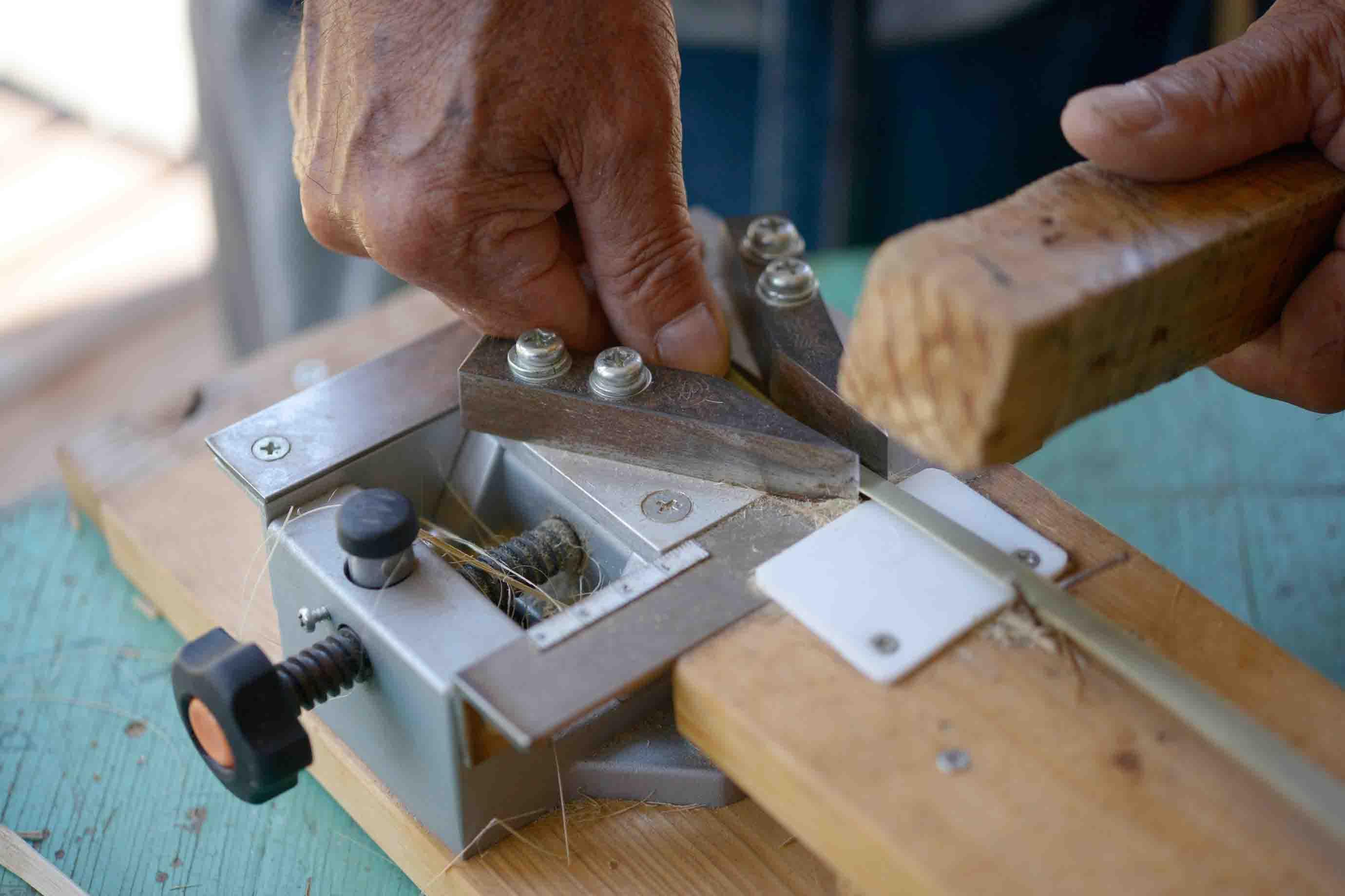ひごを均等な幅に削る工具