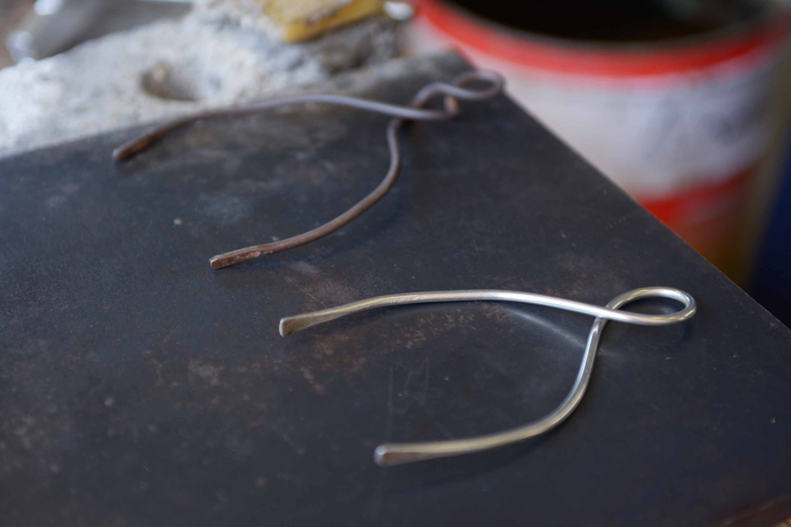 ガラスのサイズを測る道具