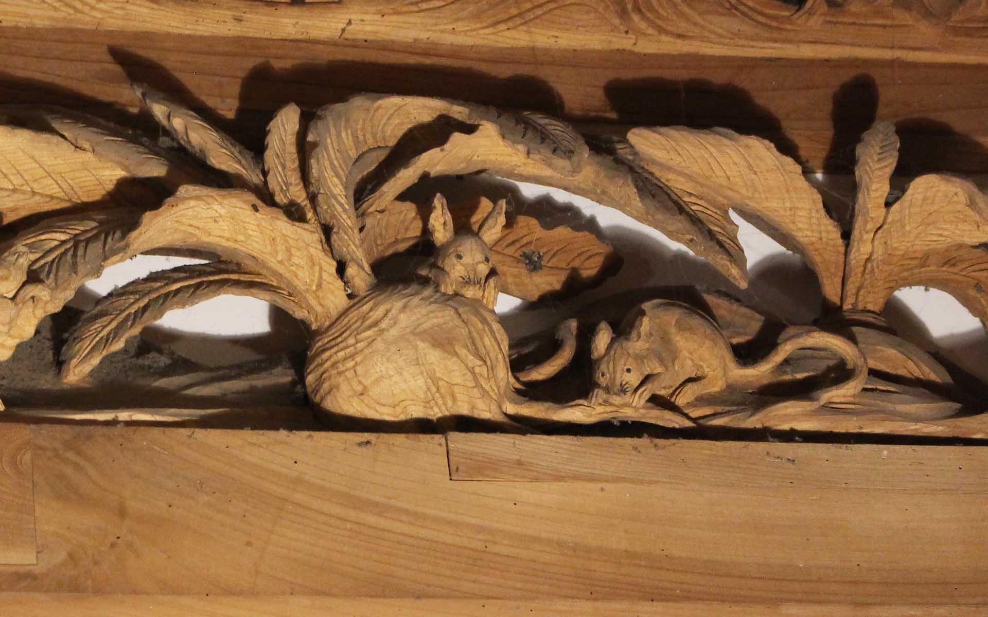 開山堂にある「蕪をかじる鼠たち」。動物も雲蝶が得意としたモチーフ