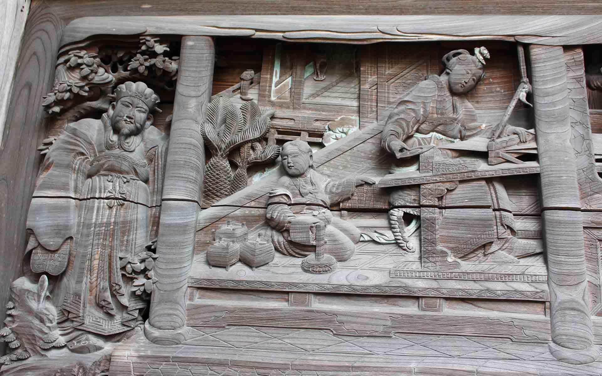 貴渡神社、糸を紡ぎ、機を織る場面