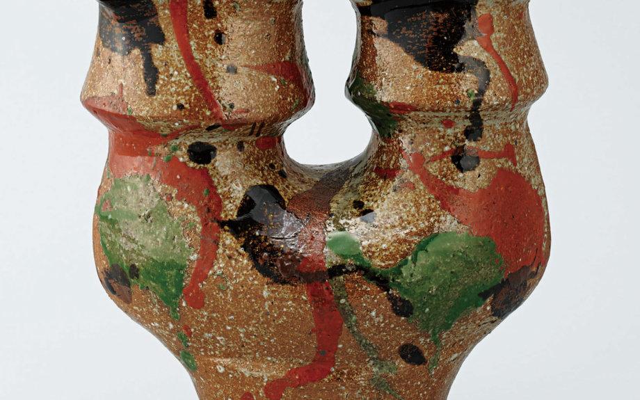 汐留で「没後50年 河井寬次郎展」開催中。陶器のほかデザインや書の作品にも注目