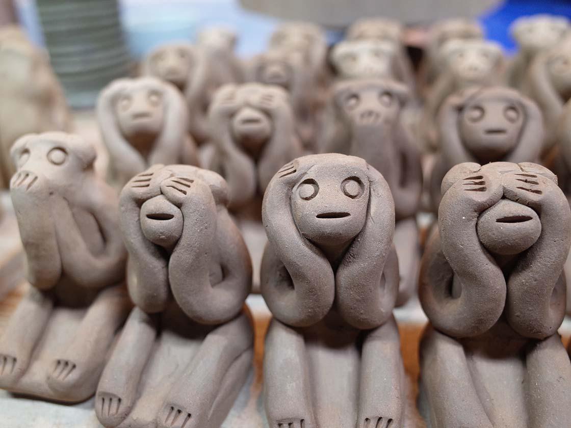 木の葉猿窯元 製作風景