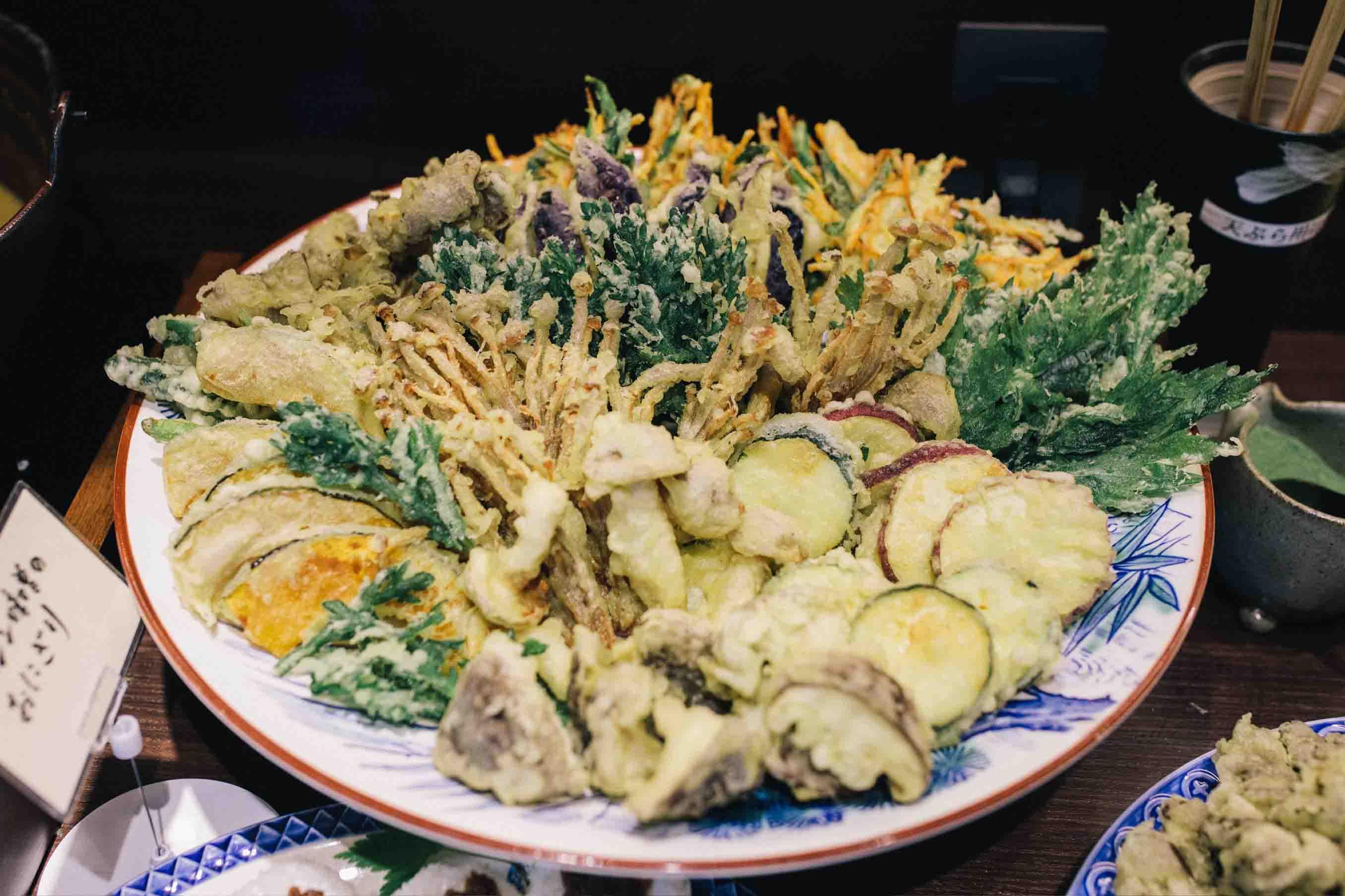 季節の野菜、山菜の天ぷら