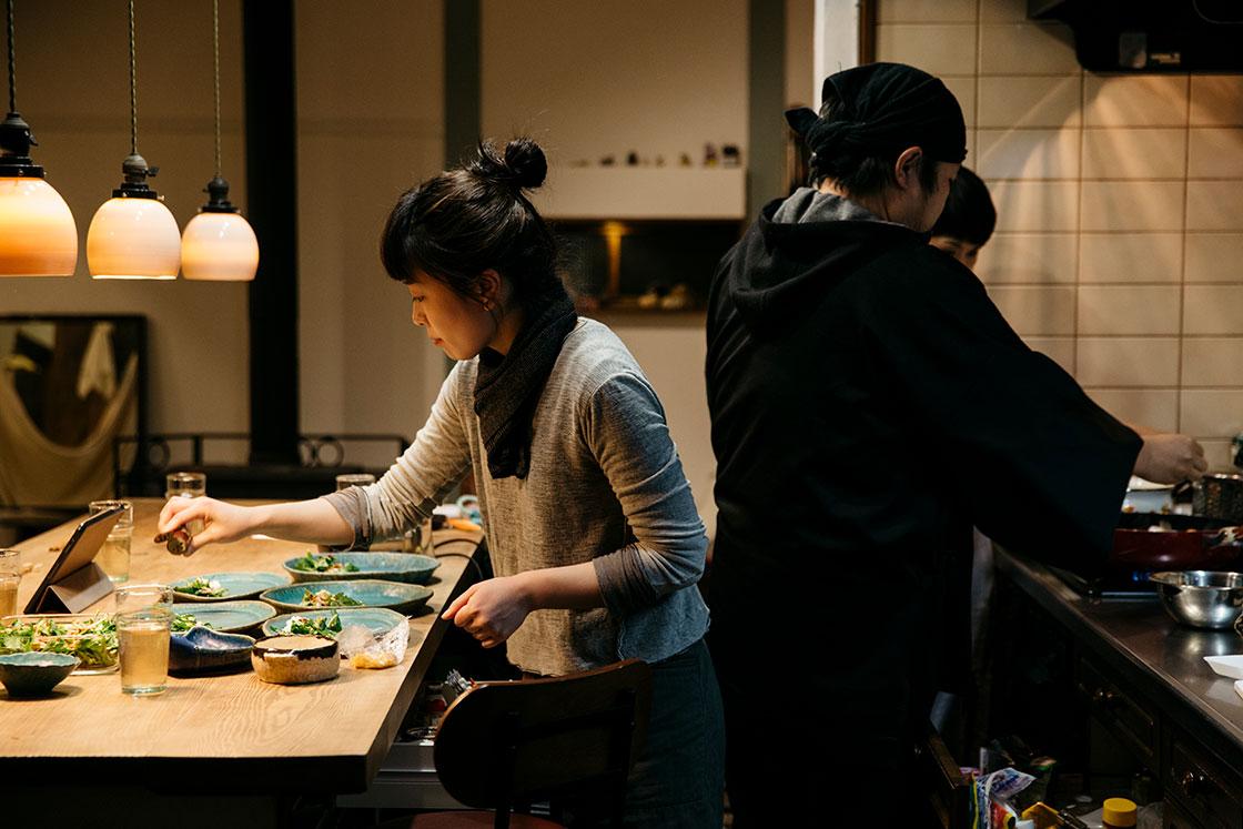 長瀬渉さんの料理風景