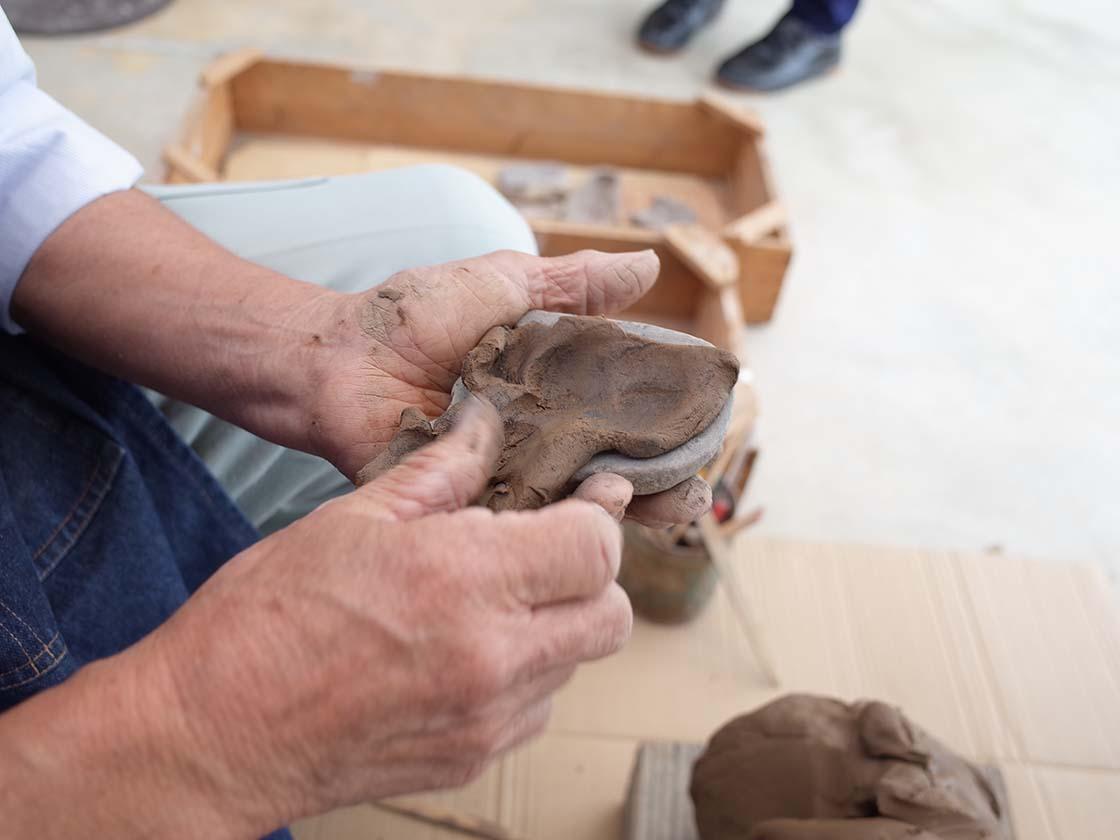 赤坂人形の製作工程