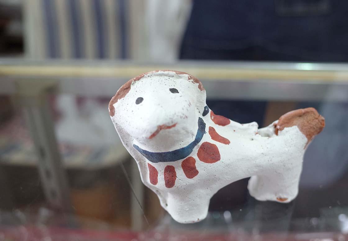 色付けして完成した赤坂人形