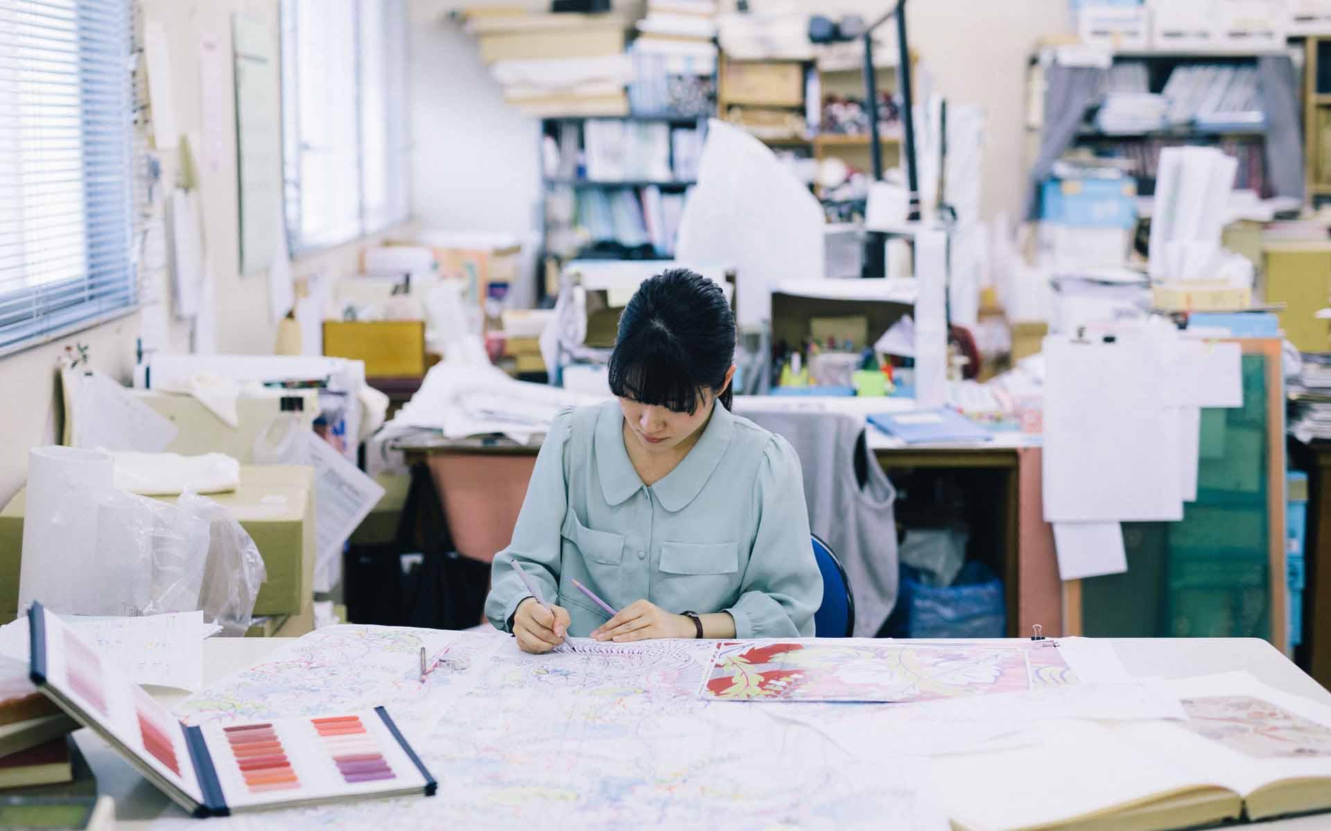 着物づくりを諦められなかった彼女は、新潟・十日町で夢を叶えた。若き移住系デザイナーの胸のうち