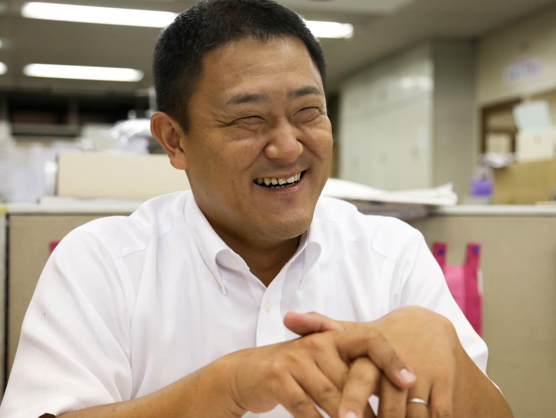 専務の平岡成介 (ひらおか せいすけ) さん
