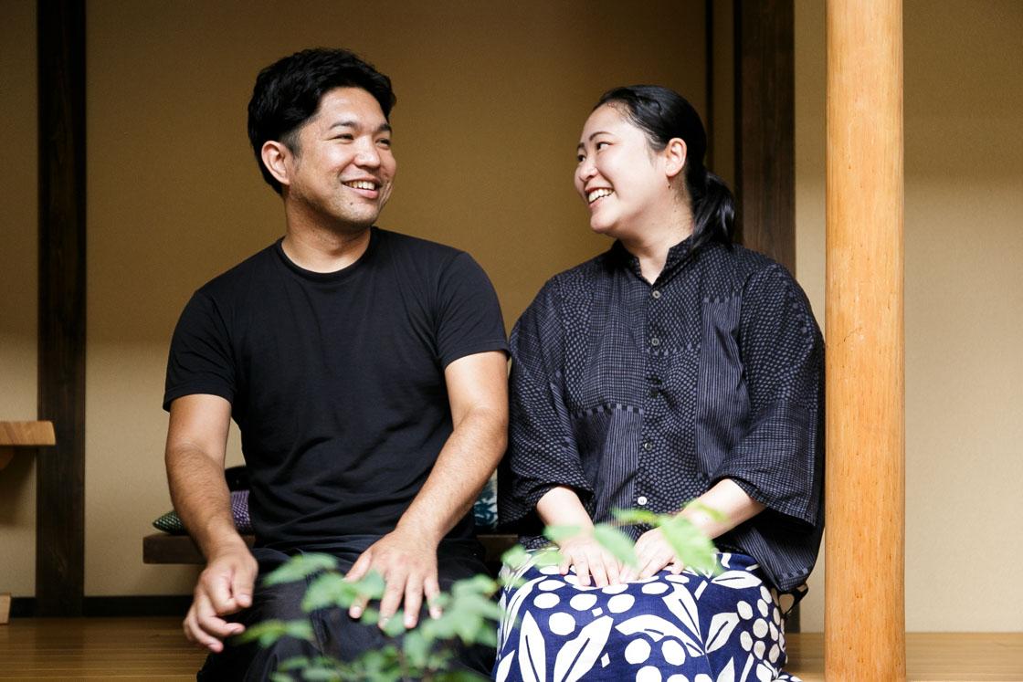 「京旅籠 むげん」オーナーの永留和也さんとあふるさん