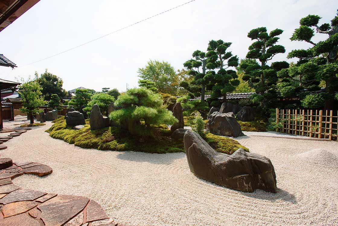 三重にあるちそう菰野の重森三玲が作った庭