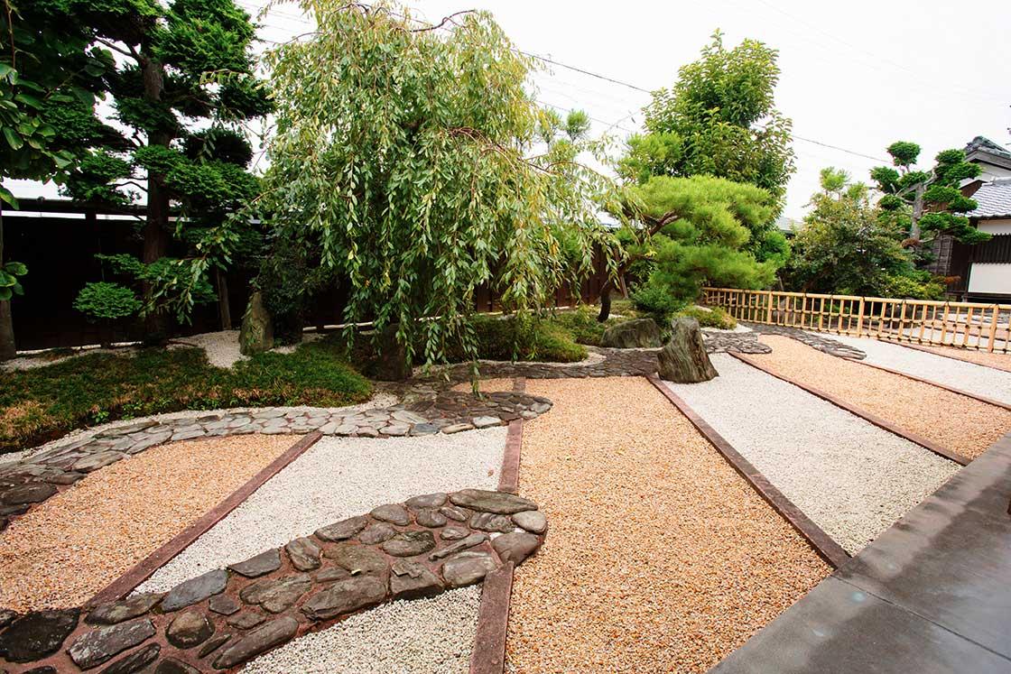三重にあるちそう菰野の重森三玲が作った裏庭