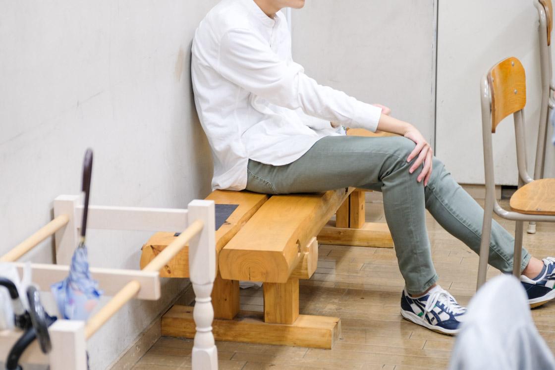 東京工芸高等学校インテリア科生徒お手製のベンチ