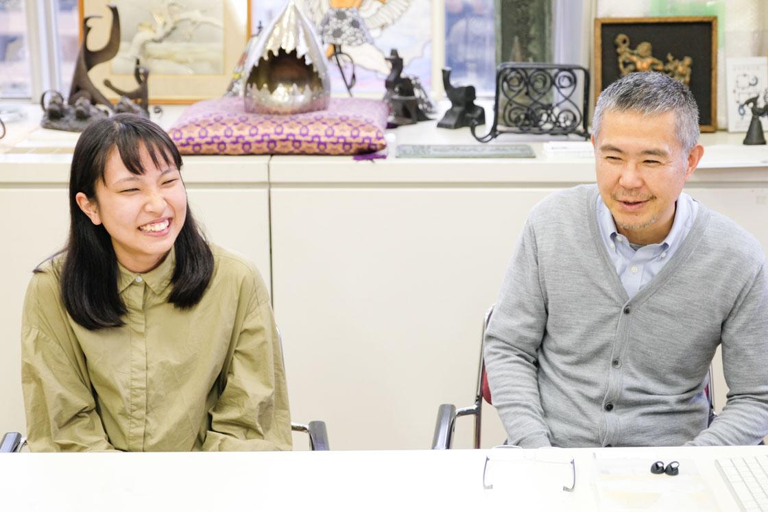 東京工芸高等学校アートクラフト科 左から:矢口鳩望さん(3年)、宇高先生
