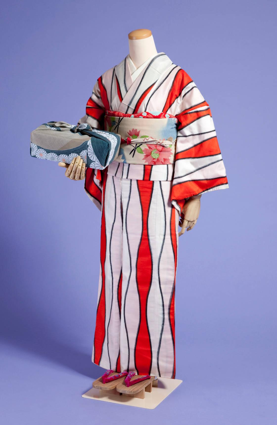 「台所太平記」鈴 着物監修:大野らふ 着物写真 協力:河出書房新社 撮影:大橋 愛