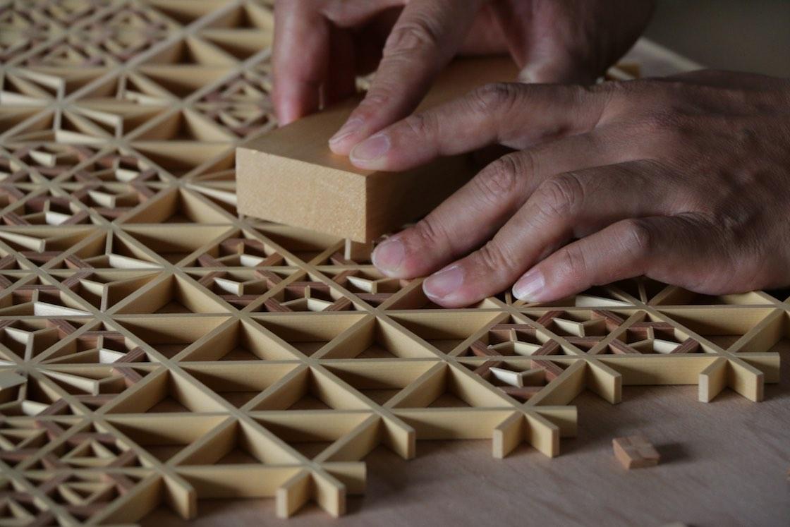 指勘建具工芸の組子づくり
