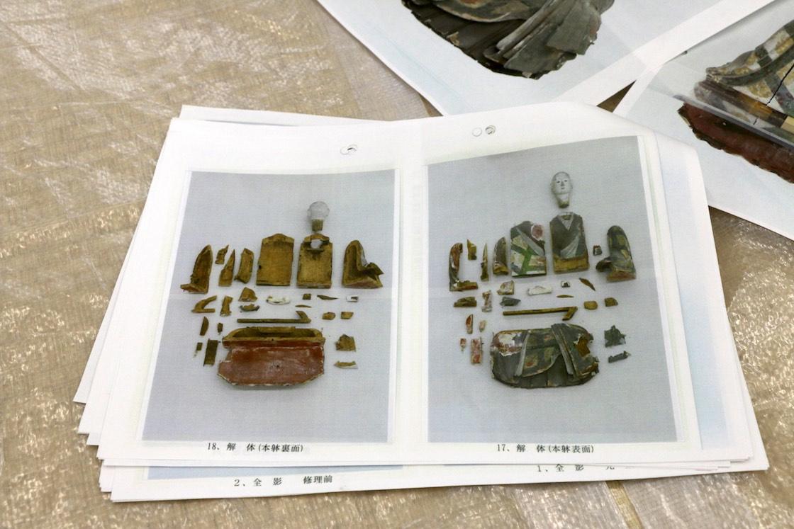 すでに修理を終えた尼僧像の中には、このように一度解体してから修理を進めたものも