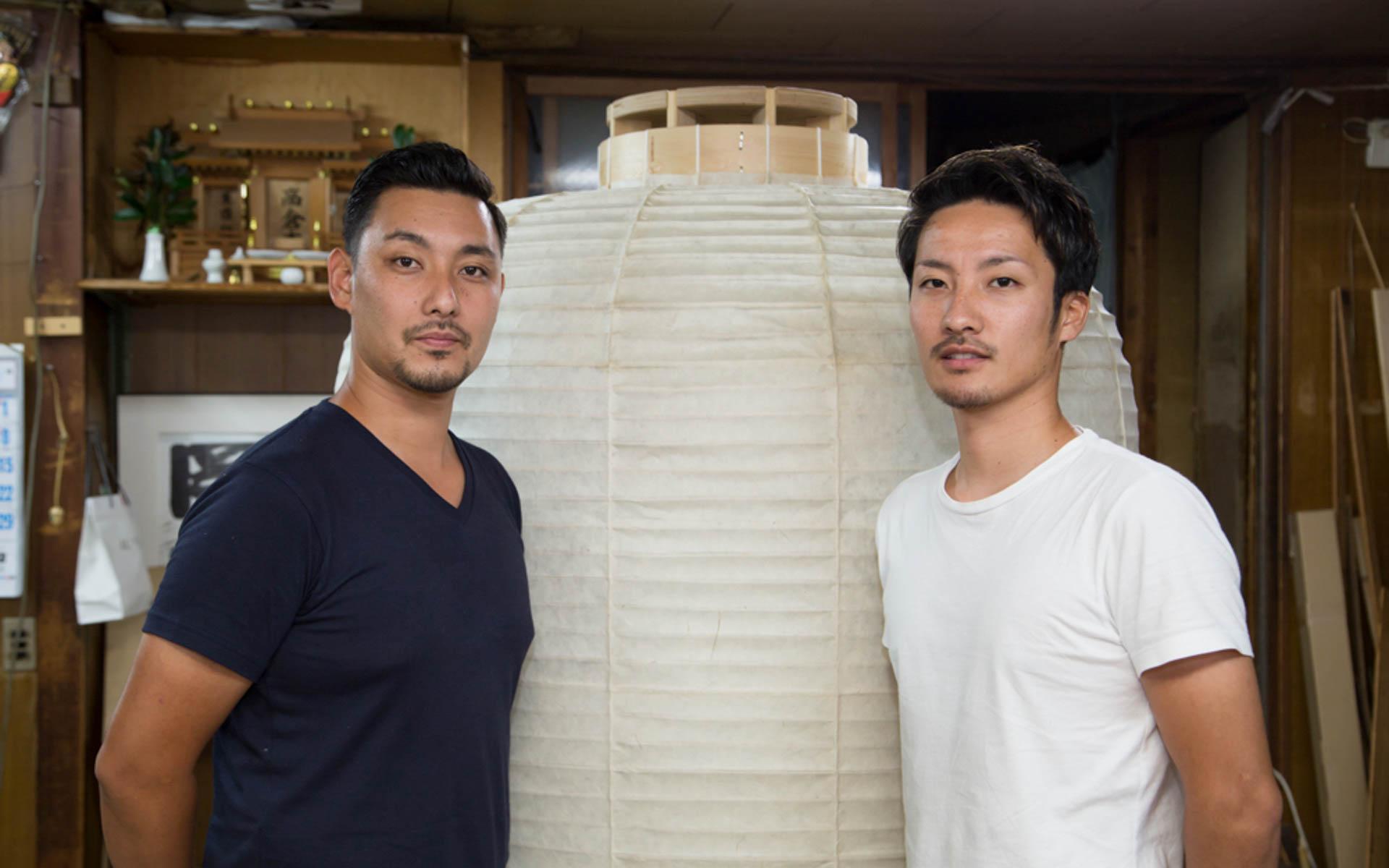 「あの頃は光が見えへんかった」──京都・老舗提灯屋の息子たちが逆境で灯した、現代のあかり
