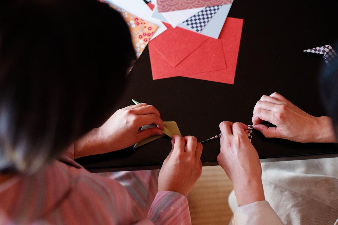 折り鶴の箸置き製作風景