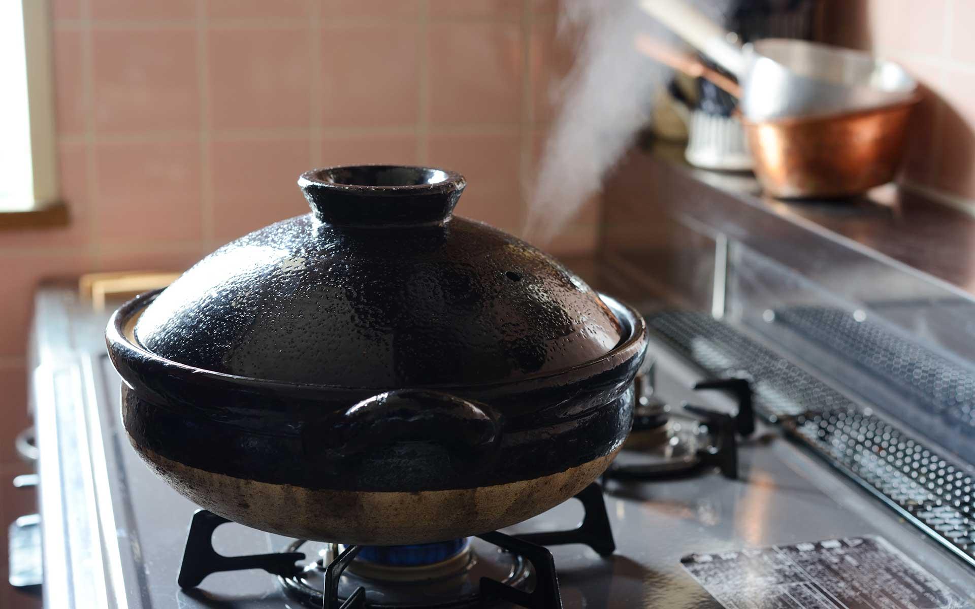 炊き上がりがまるで違う。旨味を引き出す土鍋の秘密