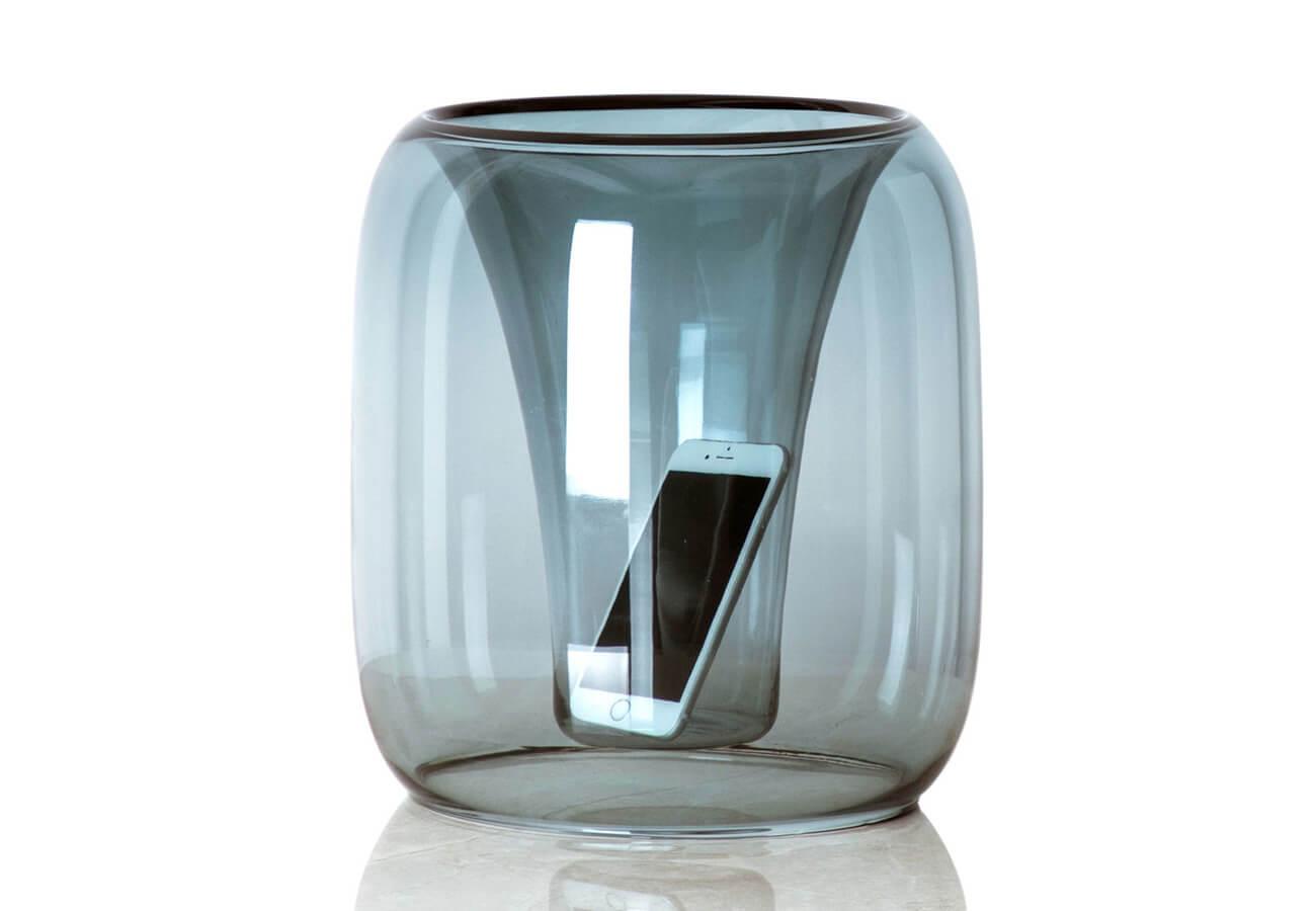 鈴木啓太さんの新作ガラススピーカー「exponential」も菅原工芸硝子さんで作られています