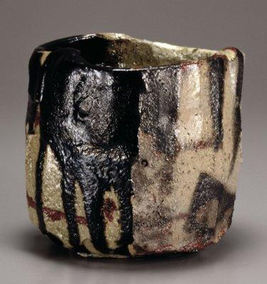 十五代樂吉左衞門 《黒茶碗月華千峰》 1990年 東京国立近代美術館蔵