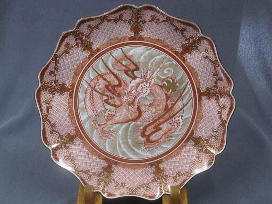 くらしを彩る九谷焼 技の継承とヴァリエーション