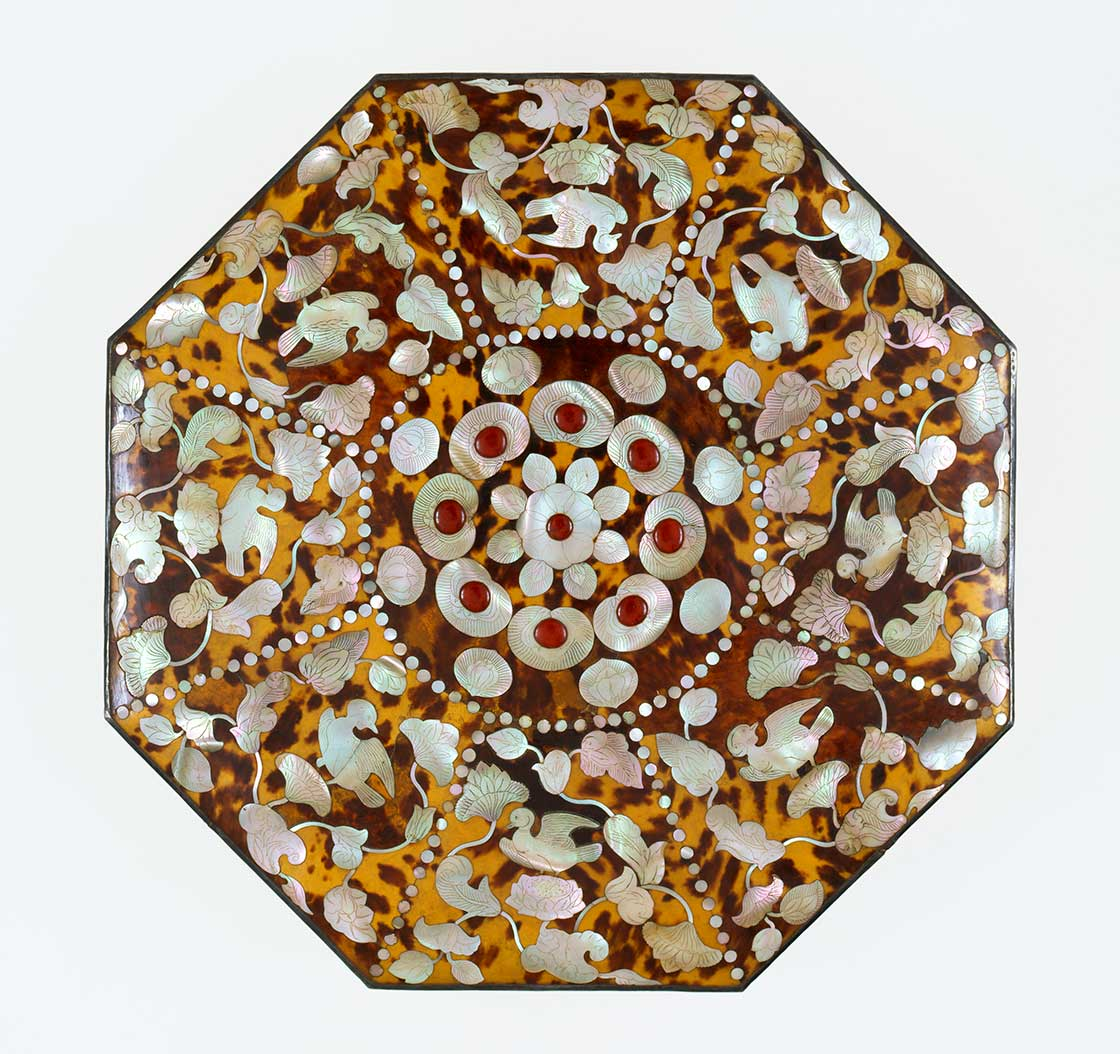 玳瑁螺鈿八角箱(たいまいらでんはっかくのはこ)。第70回 正倉院展/奈良国立博物館/10月27日〜11月12日