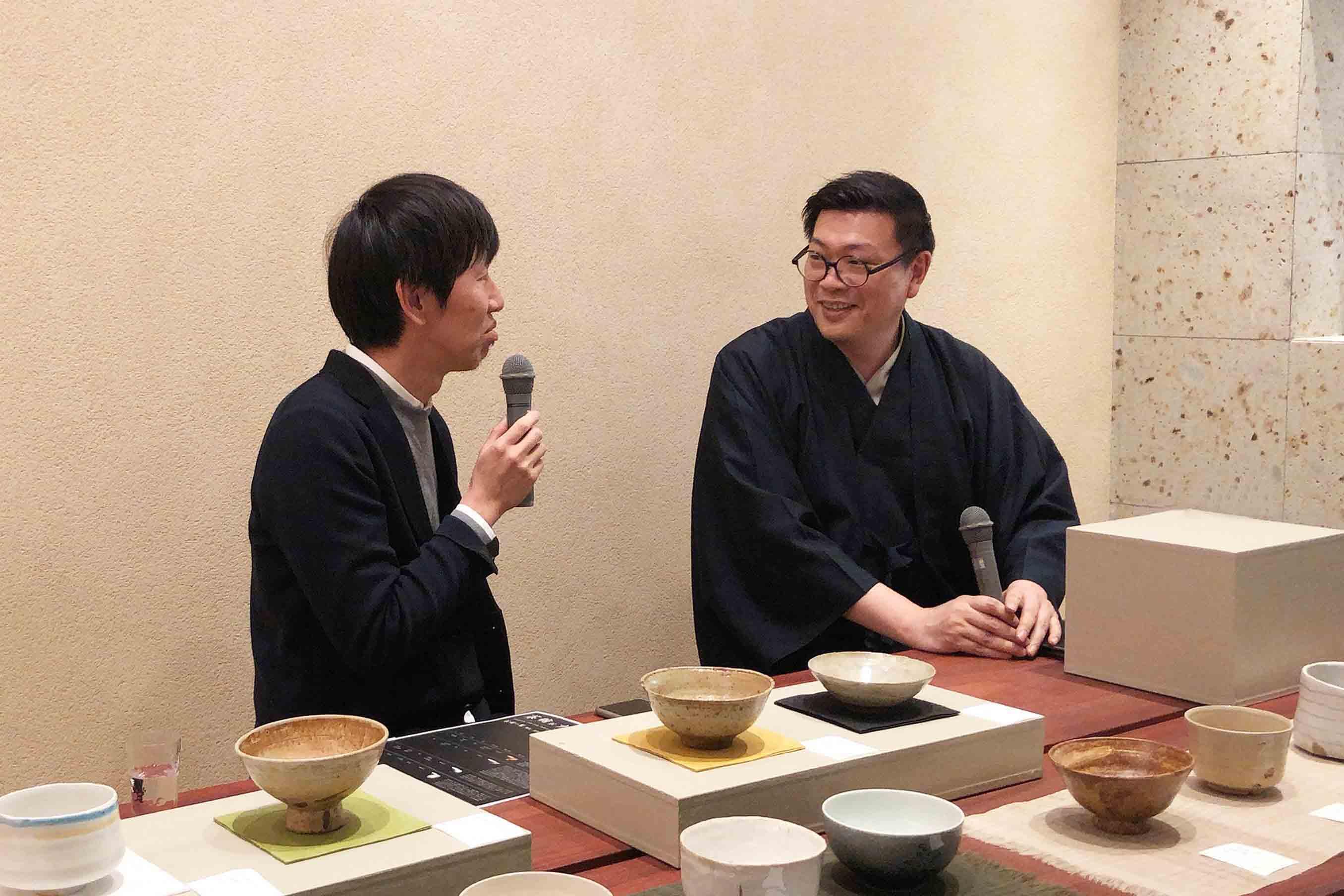 茶人・木村宗慎氏 (右) と中川政七商店十三代・中川政七氏 (左)