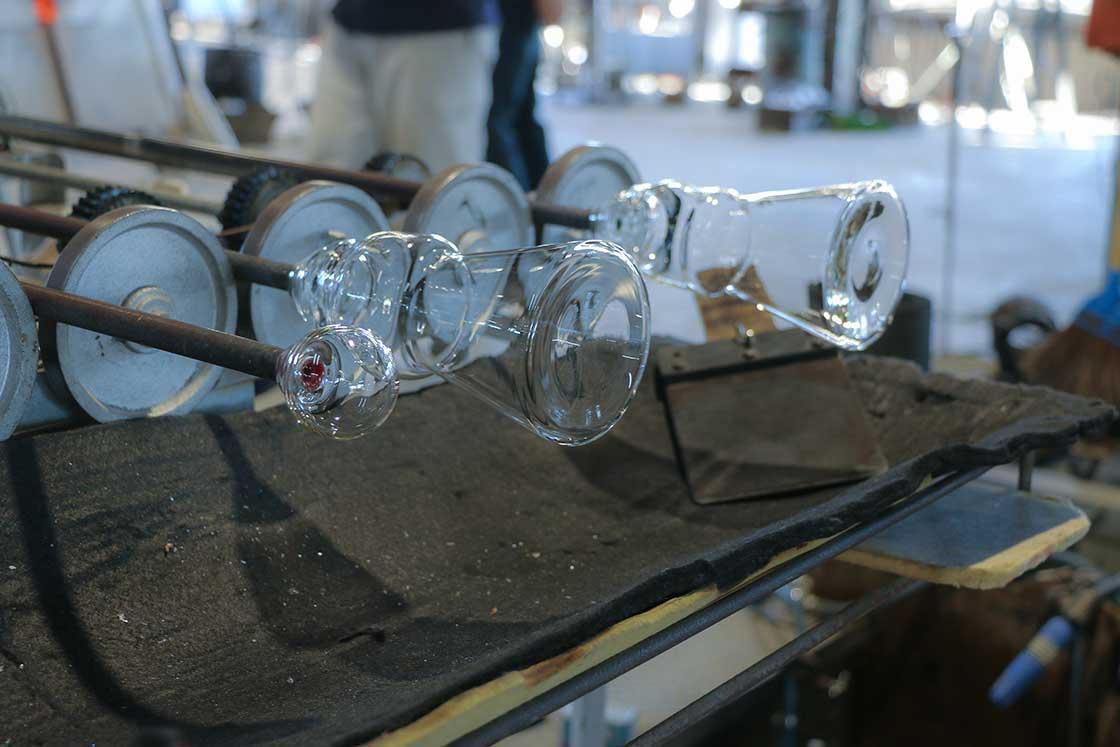 成形が完成した富士山グラス