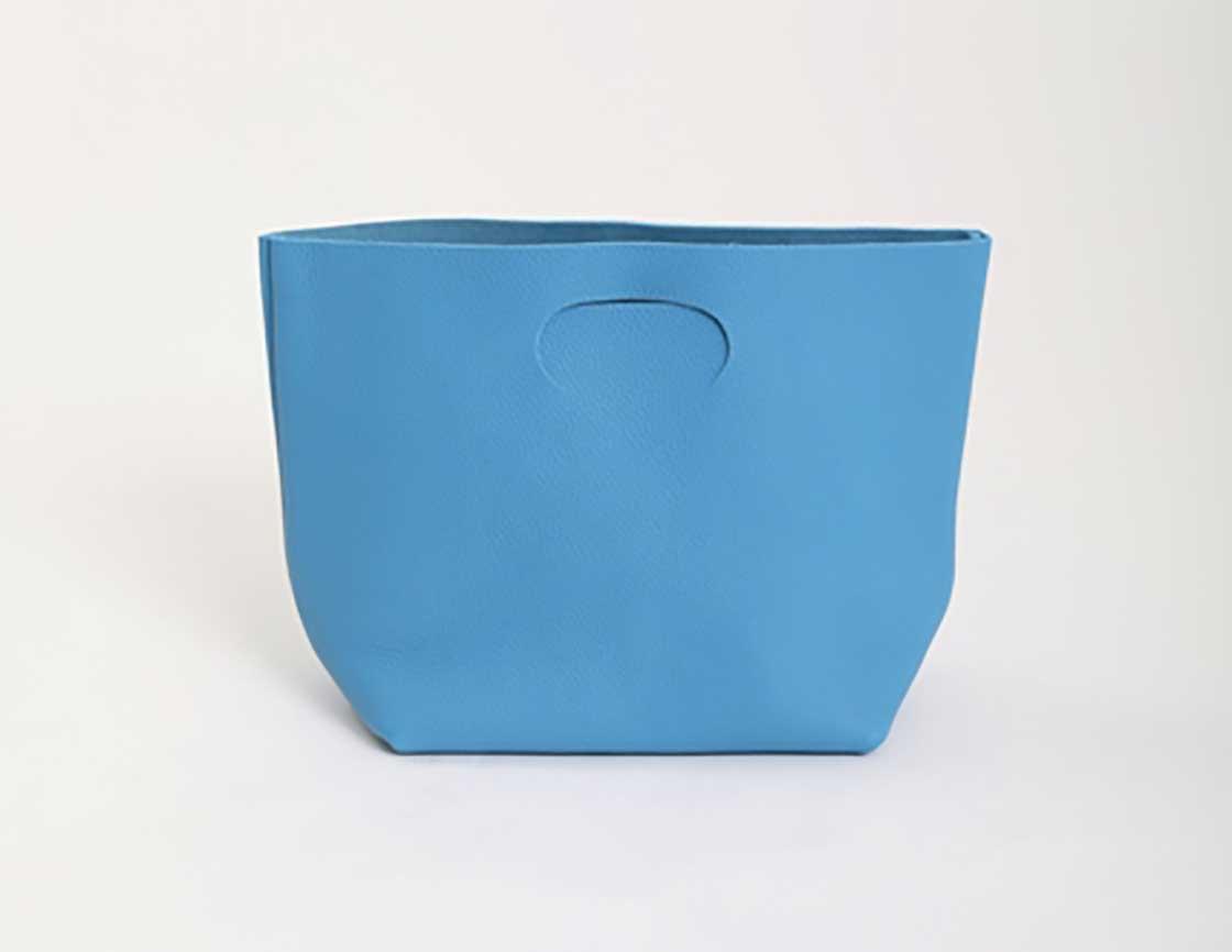 着物コーディネートに合うこものをTHE YARD(ザ・ヤード)に教えてもらう/ヘンダースキーマ(hender Scheme)・スキマのバッグ