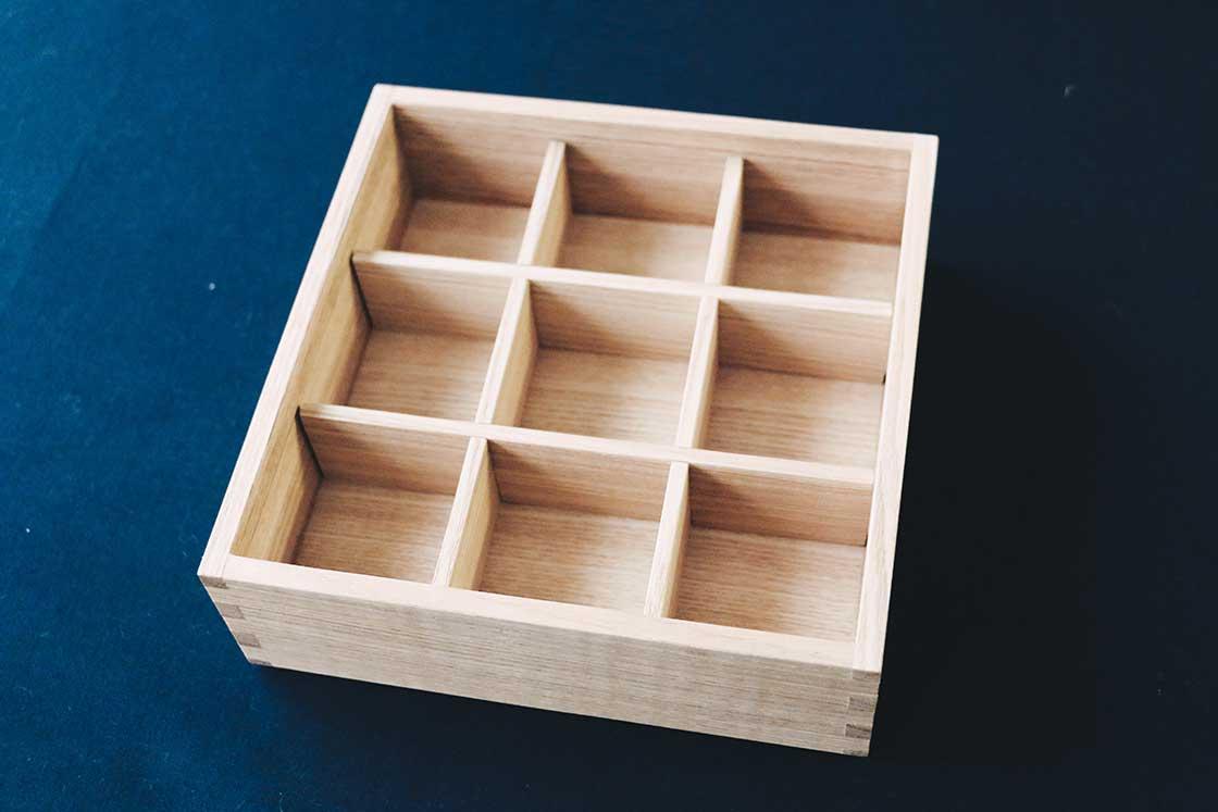 映画「めがね」にも登場した松屋漆器店の重箱(お重)