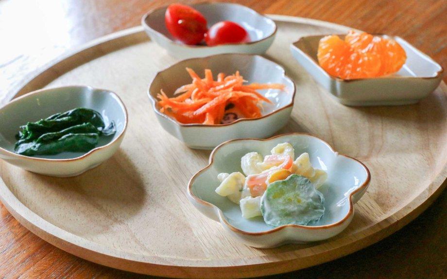 豆皿に小分けにしてバランス良い食事を