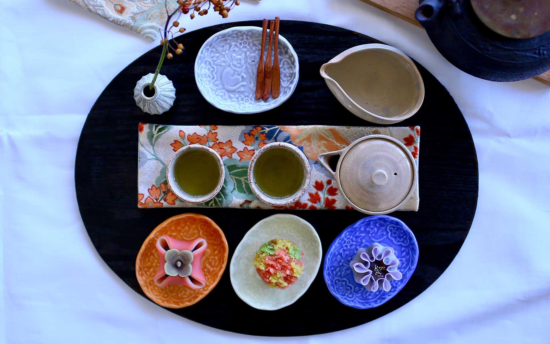 波佐見焼の豆皿(BARBAR)食卓をもっと鮮やかに彩る「あ」「うん」の狛ねこ