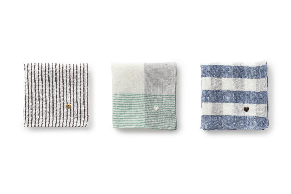 男女問わず持ちやすい3つのカラー展開に、刺繍の色がそれぞれ違うのも楽しい