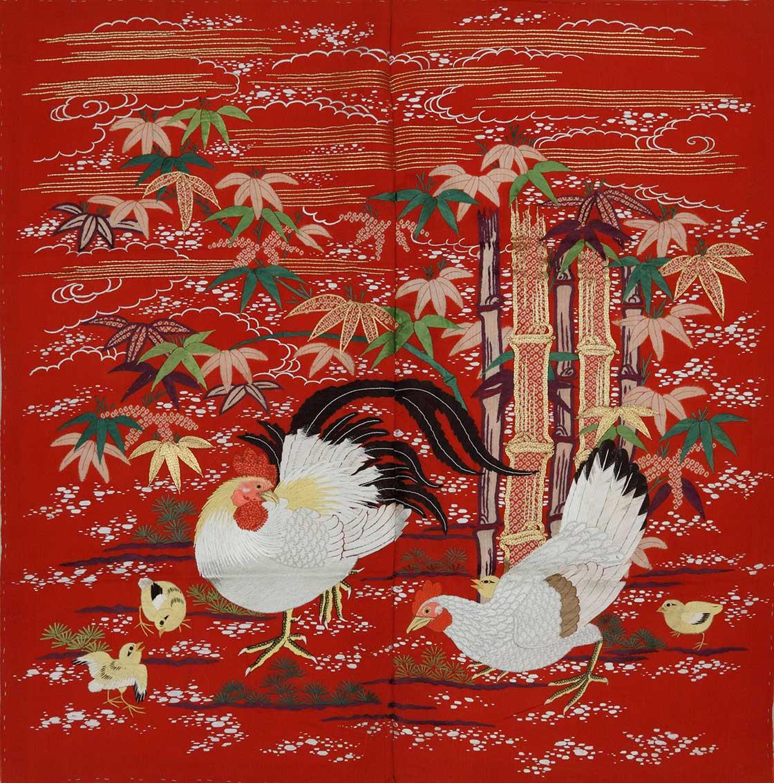 掛袱紗 (紅縮緬地竹に鶏文刺繍)(德川記念財団所蔵)