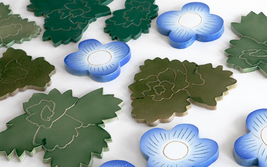 フィンランドデザインを代表する日本人。石本藤雄展『マリメッコの花から陶の実へ』開催