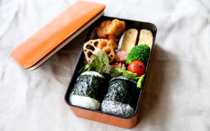 中川政七商店とたつみやが作ったお弁当箱