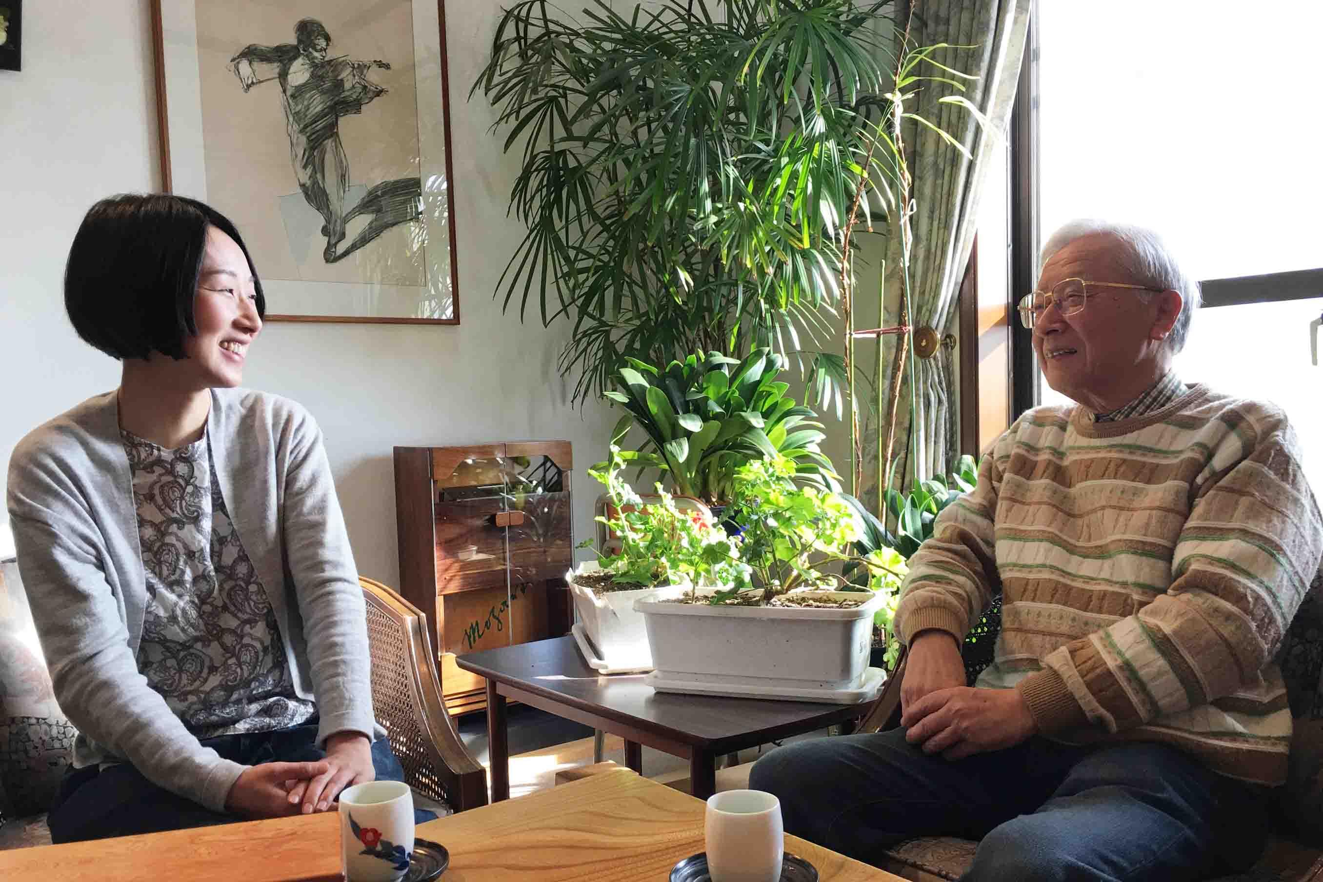 永井さん (右) と、弟子の秀嶋さん (左)